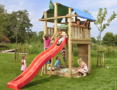 Jungle Gym Fort met lange rode glijbaan met wateraansluiting