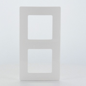 Plaque de finition double Niloé Legrand blanc