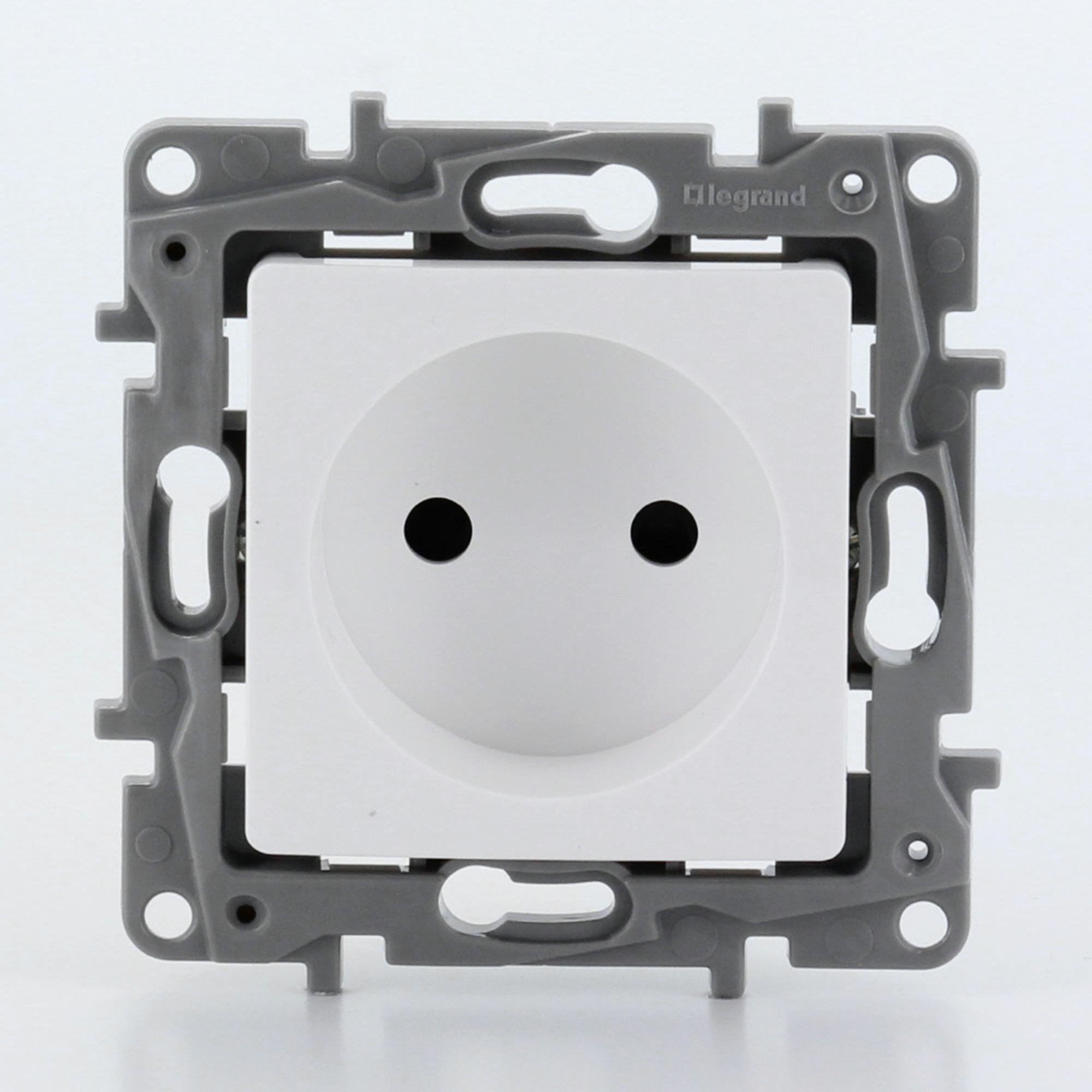 Legrand Nilo u00e9 stopcontact 2 polig zonder aarding wit   Stopcontacten   Schakelmateriaal