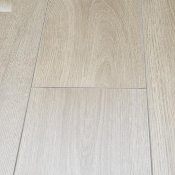Stratifié Elegant 8mm V 4 côtés chêne beige 2,13m²