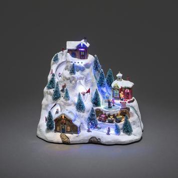 Konstsmide kerstverlichting LED wintertafereel skipiste met animatie en 8 klassieke kerstliederen voor binnen
