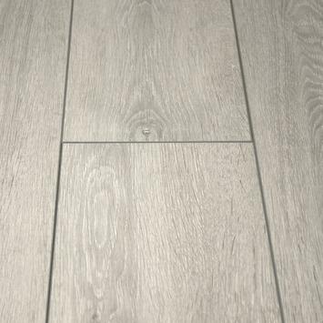 Stratifié 8 mm Elan rainure V 4 côtés chêne gris blanchi 2 m²