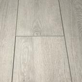 Stratifié Elan rainure V 4 côtés chêne gris blanchi 2 m²