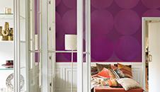 Paarse verf voor binnenmuren en plafonds