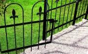 Metalen poort verven