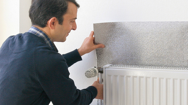 poser un film r fl chissant derri re un radiateur. Black Bedroom Furniture Sets. Home Design Ideas
