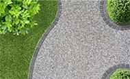/doe-het-zelf/klussen-in-de-tuin/tuinpad-aanleggen/tuinpad-met-grind-of-dolomiet