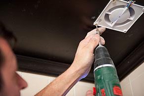 Afzuiging Badkamer Stil : Badkamer ventilator plaatsen klusvideo gamma.be