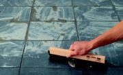 /conseils-bricolage/poser-un-sol/poser-du-carrelage-de-sol/nettoyer-et-peindre-des-joints-de-carrelage