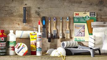 Verf en gereedschap kiezen voor buitenmuur schilderen