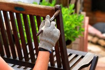 tuinmeubelen-onderhouden21.jpg