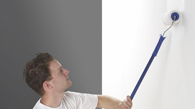 Werken met een primer voor het schilderen